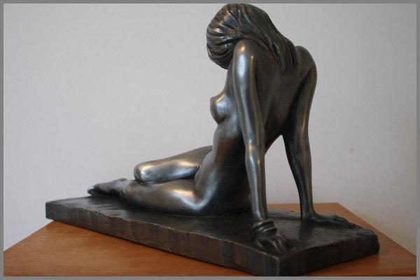 Statut de trish photos nues